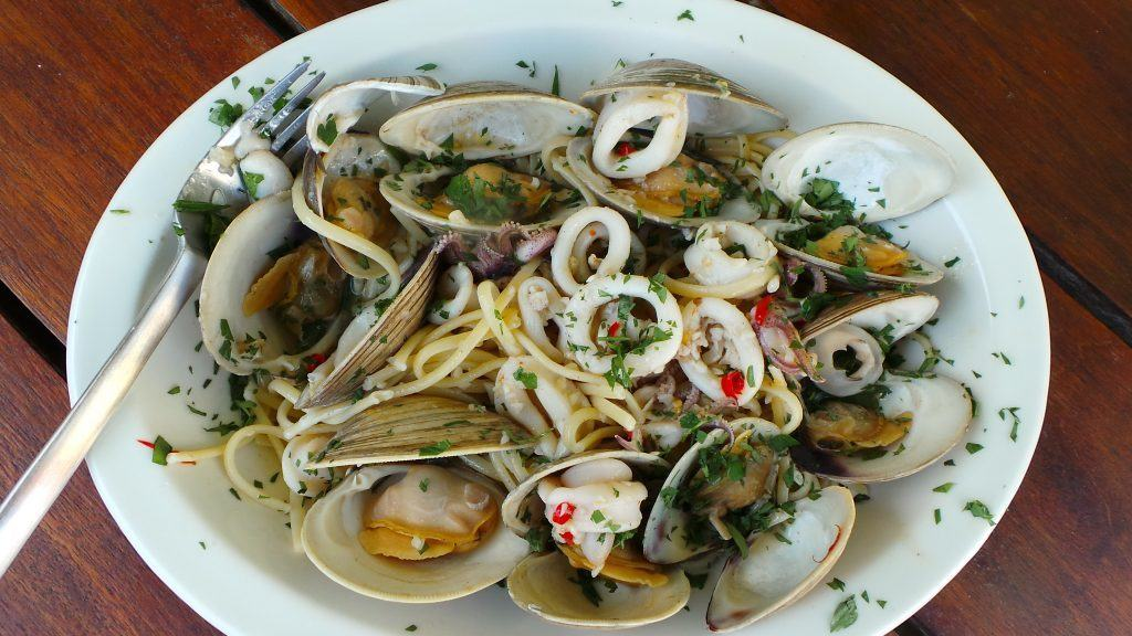 Linguine with Squid and Clams (CAWCOM) (4)